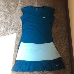 Nike dry fit med women's tennis outfit. Teal blue.